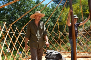 Yurt pitching 5